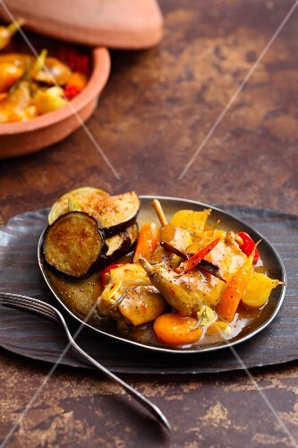 Rabbit tagine with cinnamon, saffron and apricots
