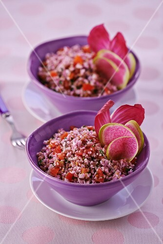 Tabbouleh with cauliflower and tomatoes