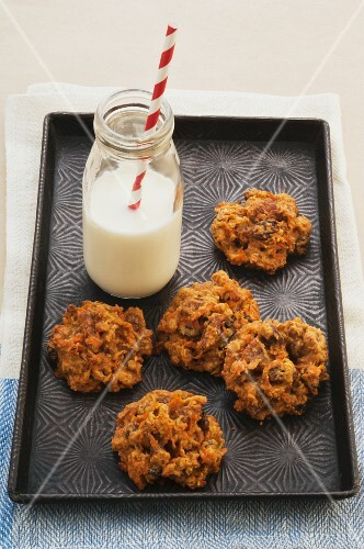Oat and carrots cookies with honey