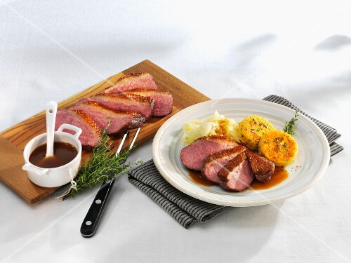 Duck breast with thyme jus and fried potatoes