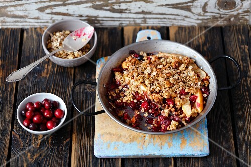 Quince and cranberry crumble
