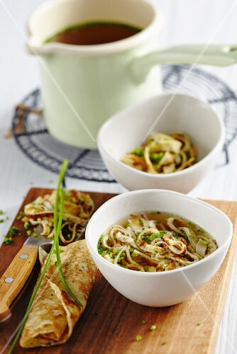 Herb pancake soup with chives