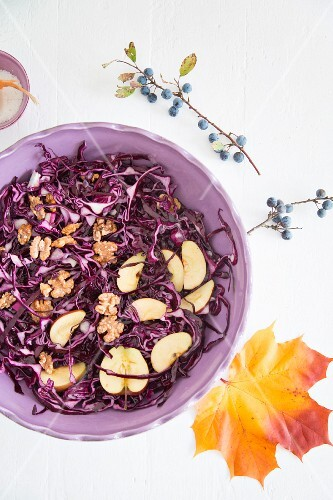 Red cabbage salad with apples and walnuts