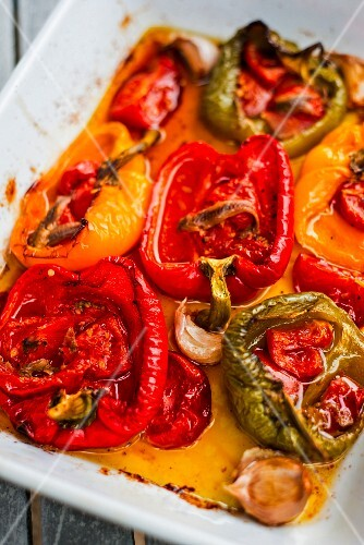 Baked peppers with garlic