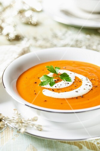 Butternut squash and pepper soup with sour cream (Christmas)