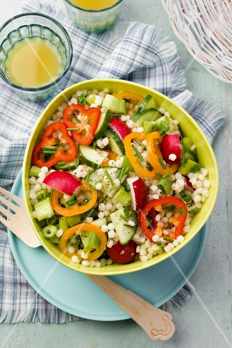 Couscous salad with cucumber and peppers