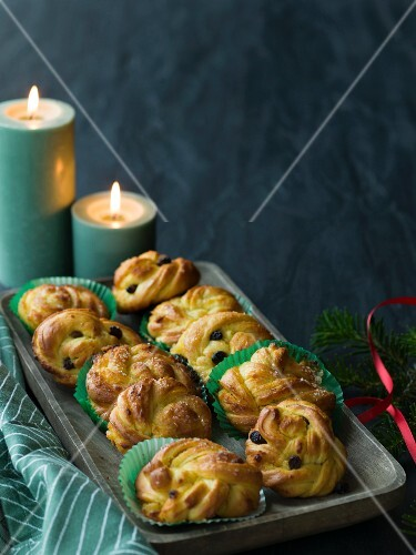 Saffron rolls filled with marzipan (Christmas)
