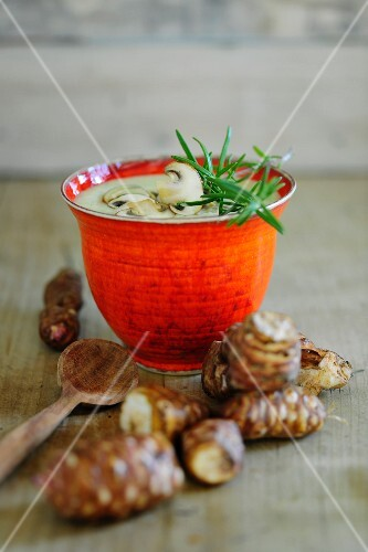 Cream of Jerusalem artichoke soup with mushrooms and rosemary