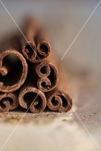 Cinnamon sticks (close up)