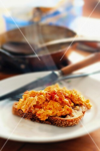 Scrambled Eggs with Tomato on Toast