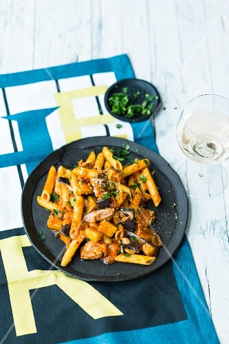Penne with aubergine and tuna