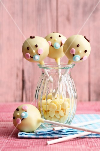 Baby shower cake pops made from cream cheese and fondant icing
