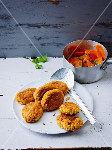 Tofu fritters with glazed carrots
