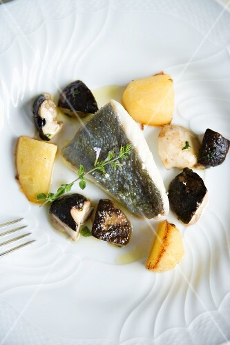 San pietro con le patate e funghi porcini (John Dory with potatoes and porcini mushrooms, Italy)