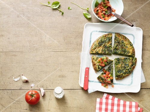 A green bean and spinach frittata (Paleo diet)