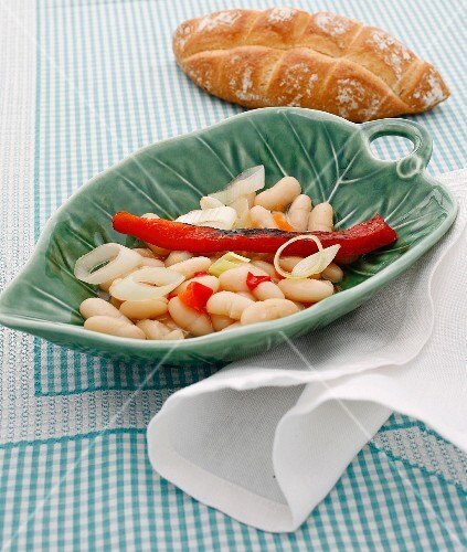 Pickled white beans with grilled peppers