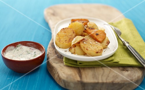 Grilled potato slices with a garlic and chilli sauce