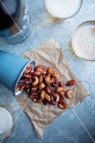 Roasted cashew nuts and almonds with maple syrup and sea salt
