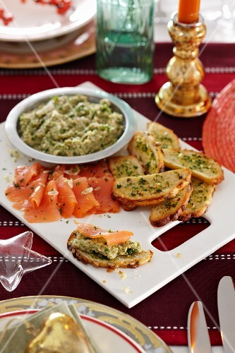 Garlic crostini with smoked salmon and aubergine mousse