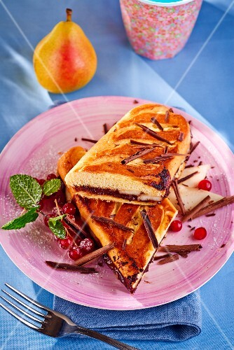 Panini with pears and chocolate
