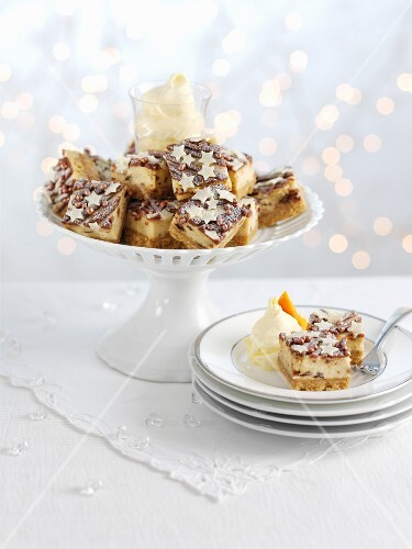 Brandy cheesecake bites with Christmas pudding for Christmas