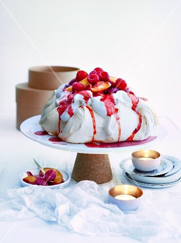 Pavlova with nectarines and raspberries