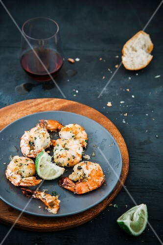 Garlic prawns with lime
