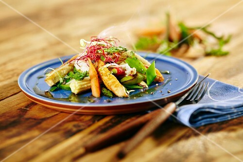 Oriental vegetables with chicken breast strips
