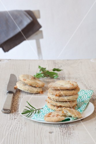 Focaccine alle erbe (mini unleavened bread with herbs, Italy)