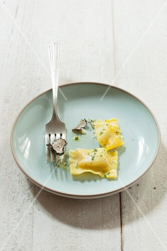 Ravioli filled with cheese and truffles