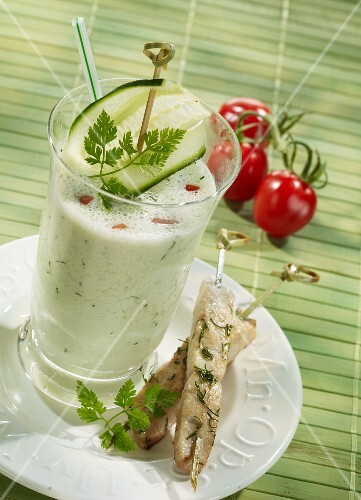 Cucumber drink with stevia and a satay skewers