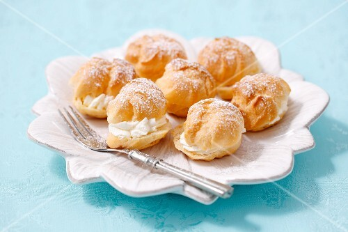 Profiteroles with whipped cream