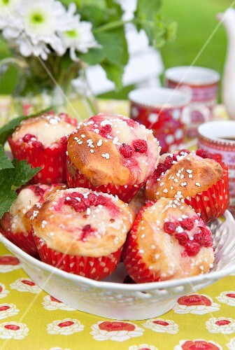 Redcurrant muffins with sugar nibs