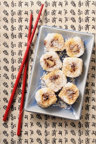 chocolate and banana maki with grated coconut