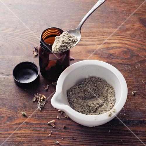 Wall fern and sage powder à la Hildegard von Bingen
