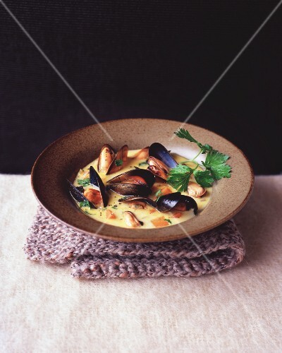 Mussel soup with carrots
