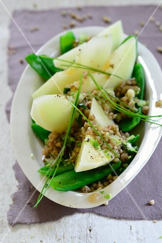 Melon and mange tout salad with buckwheat