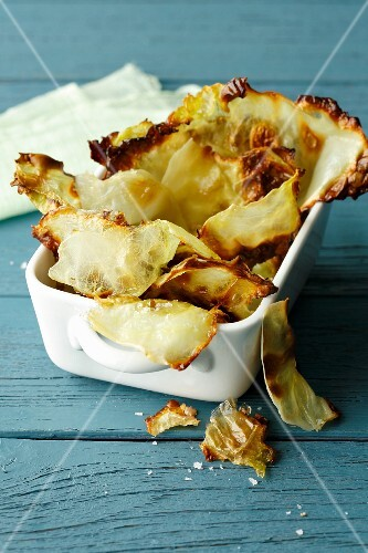 Homemade cabbage crisps (simple glyx)