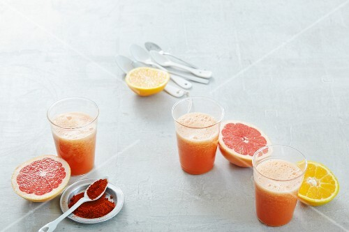 Citrus fruit smoothies with carrot juice and Cayenne pepper