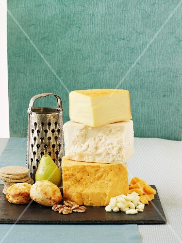 Cheddar cheese, walnuts, pears, scones and crackers