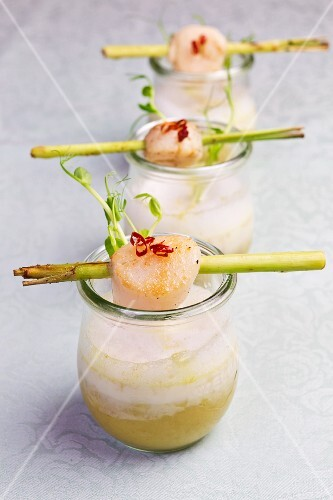 Lemongrass soup with scallops and chilli