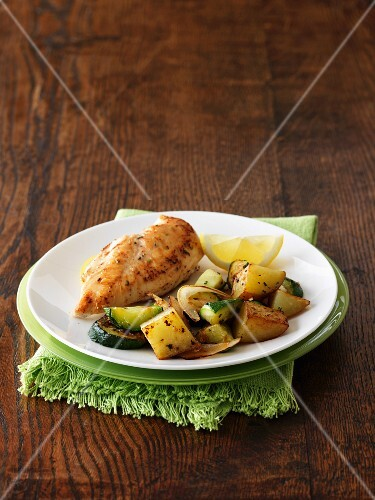 Chicken breast with potatoes and courgettes