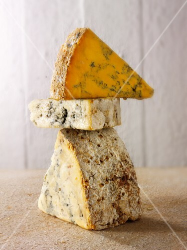English cheese (Stilton, White Stilton and Blacksticks)