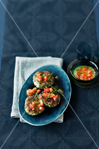 Spinach and ricotta burgers with a pepper vinaigrette
