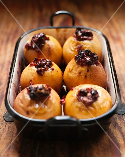 Baked apples with lingon berries