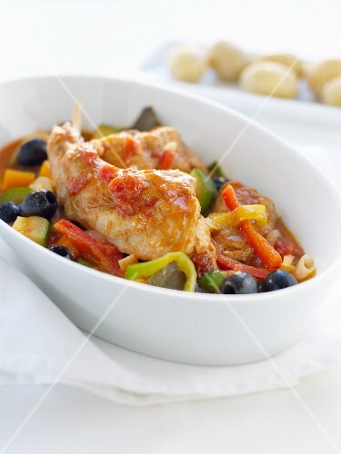 Rabbit stew with peppers and olives
