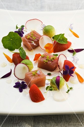 Tuna fish with Bloody Mary jelly