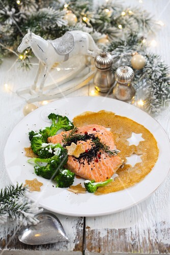Baked salmon fillet with broccoli and a crepe for Christmas