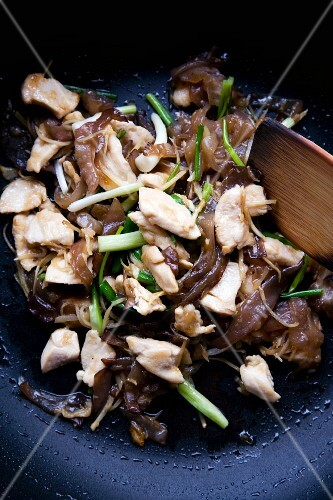 Pad Hed Hu Nuh Gai Sai King (mu err mushrooms with chicken and ginger, Thailand)