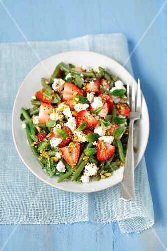 Green bean and strawberry salad with feta cheese and mint